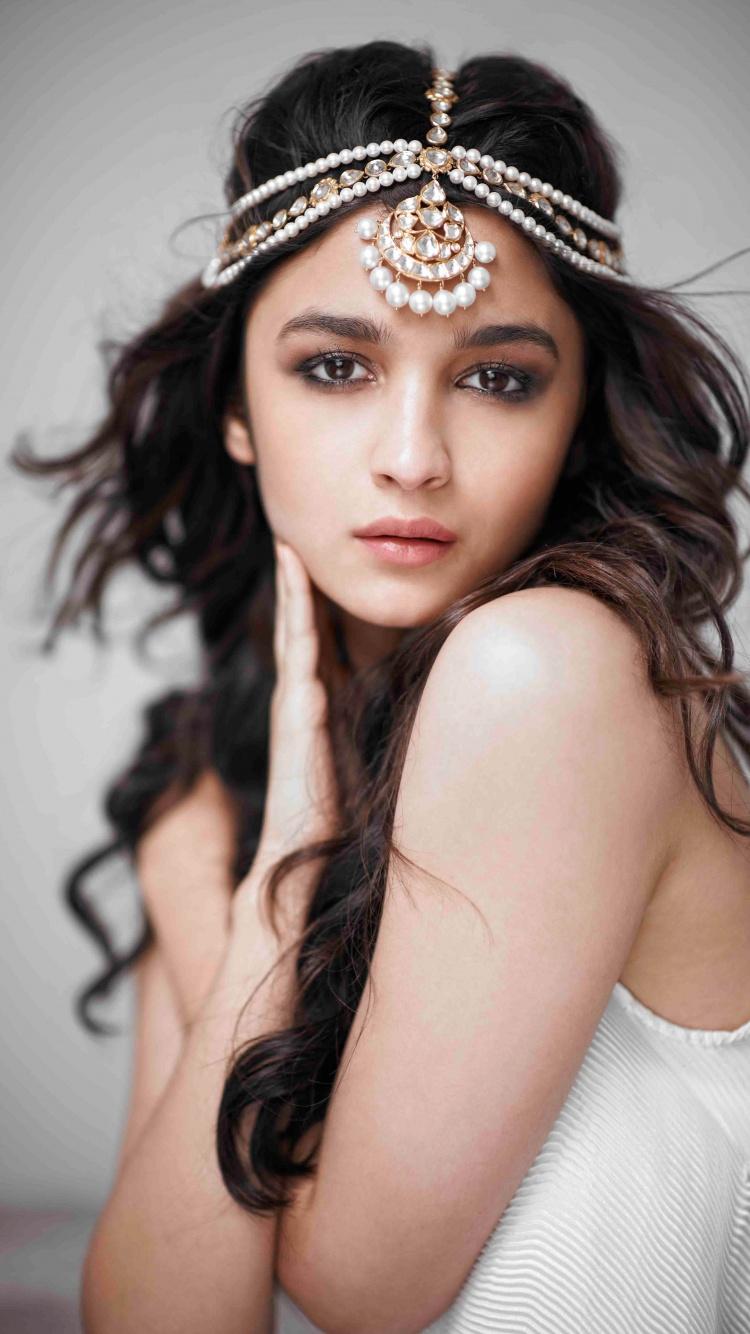 Alia Bhatt 4K Wallpaper, Indian actress, Bollywood actress