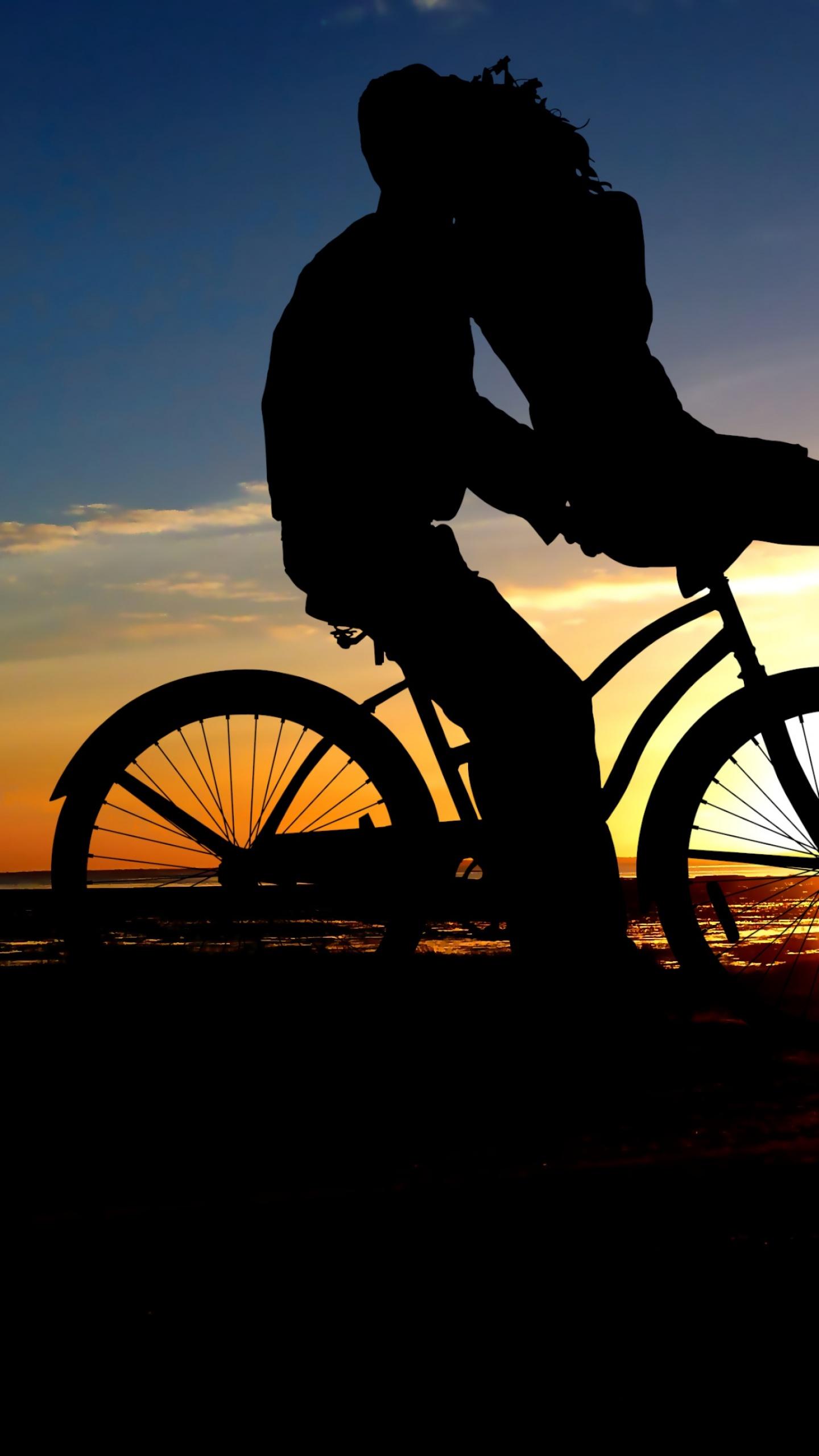 Couple 4k Wallpaper Sunset Romantic Kiss Bicycle Silhouette Dusk Evening Love 1694