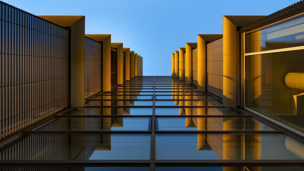 Modern Architecture Wallpaper 12K, Look up, Reflection, Glass ...