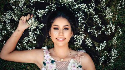 Smiling girl, Beautiful girl, White flowers