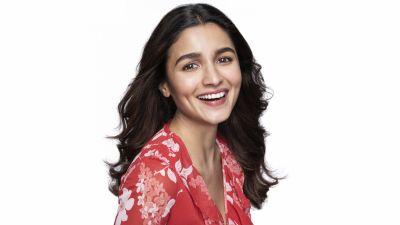 Alia Bhatt, Beautiful actress, Smiling girl, Bollywood actress, Indian actress, White background
