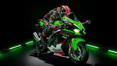 Kawasaki Ninja ZX-10R, Sports bikes, Black background, Biker, 2021