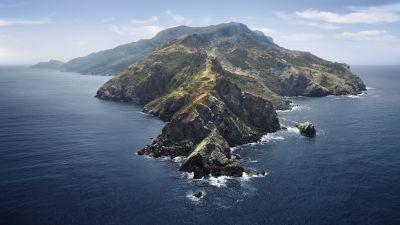 macOS Catalina, Mountains, Island, Morning, Foggy, Stock, 5K