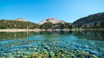 Lake Helen, Lassen National Forest, California, Mount Lassen, Volcano, Clear water, Landscape, Blue Sky, Water ripples, Stones, 5K