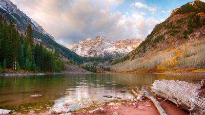Maroon Bells, Maroon Lake, Maroon Peak, Elk Mountains, Aspen, Colorado, Landscape, Glacier Mountains, Snow covered, White Clouds, Reflection