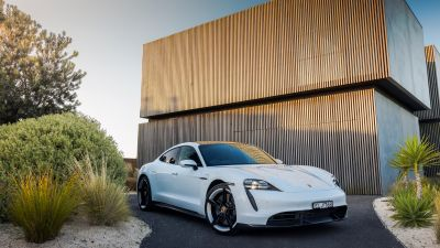 Porsche Taycan Turbo S, 2021