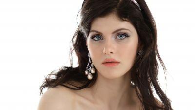Alexandra Daddario, White background, 5K