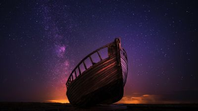 Wrecked Boat, Sailing boat, Night time, Starry sky, Milky Way, Outer space, Seashore, 5K
