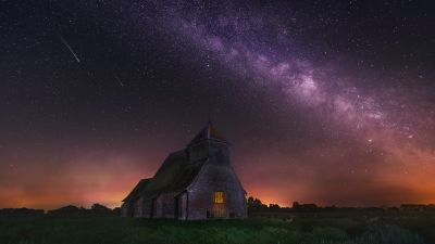St Thomas à Becket Church, Fairfield, Milky Way, Outer space, Night time, Starry sky, Astronomy, Ancient architecture, Iconic
