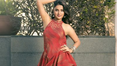 Nidhhi Agerwal, Indian actress, Tollywood, Kollywood actress, Beautiful actress