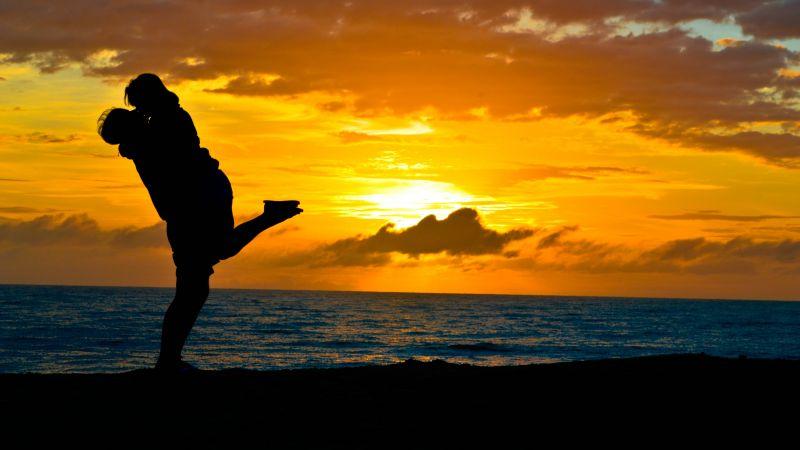 Couple, Romantic kiss, Sunset, Silhouette, Beach, Dawn, Mood, 5K, Wallpaper