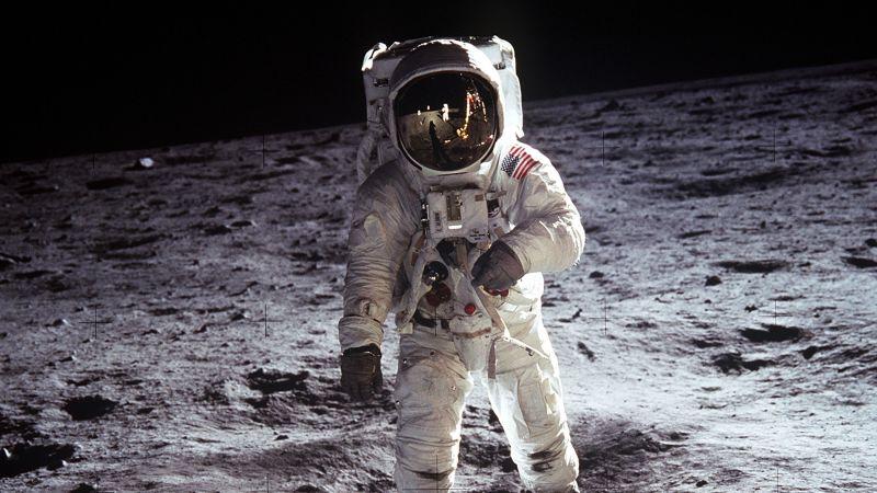 Astronaut, NASA, USA, Moon, Lunar surface, Spacesuit, Space exploration, Wallpaper