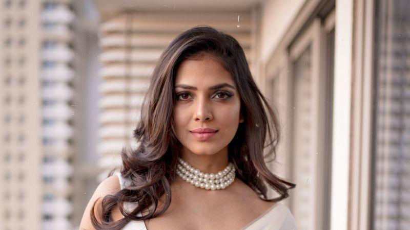 Malavika Mohanan, Saree, Indian actress, Wallpaper