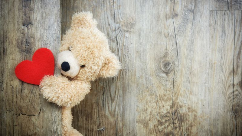 Teddy bear, Red heart, Wooden background, Soft toy, Stuffed, Valentine's Day, Fur, Kids toys, Fluffy Bear, Emotions, Cute toy, 5K, Wallpaper