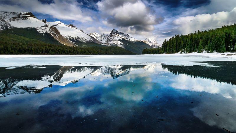 Maligne Lake, Canada, Cloudy Sky, Glacier mountains, Snow covered, Mirror Lake, Frozen, Winter, Green Trees, Reflection, Landscape, Wallpaper
