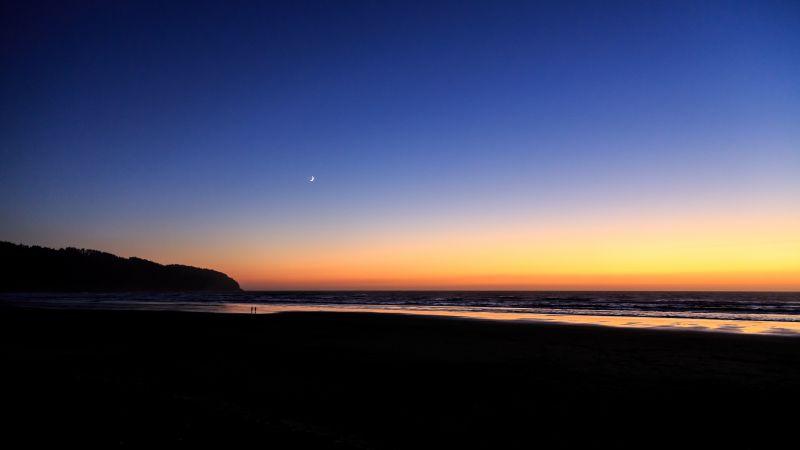 Sunset, Silhouette, Beach, Clear sky, Seascape, Ocean, Horizon, Landscape, Moon, 5K, Wallpaper