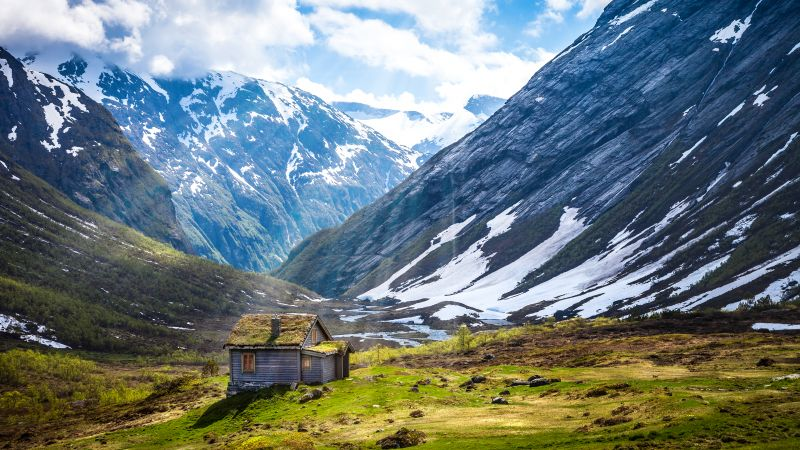 Glacier mountains, Norway, Landscape, Plateau, Wooden House, Snow covered, Sun rays, Cloudy Sky, Wallpaper