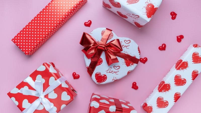 Valentine Gifts, Heart shape, Gift Boxes, Red hearts, Presents, Surprise, 5K, Wallpaper