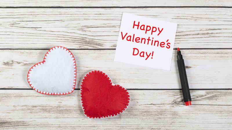 Happy Valentine's Day, Red hearts, Wooden background, White heart, Heart shape, Message, 5K, Wallpaper