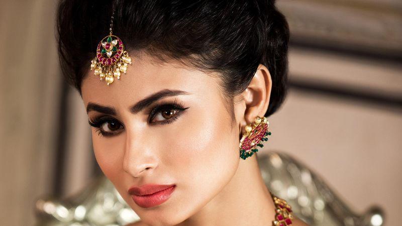 Mouni Roy, Indian actress, Traditional, Bride, Beautiful actress, Wallpaper