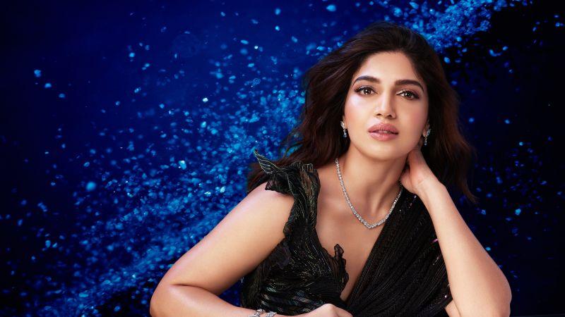Bhumi Pednekar, Indian actress, Bollywood actress, Black saree, Blue background, 5K, 8K, Wallpaper