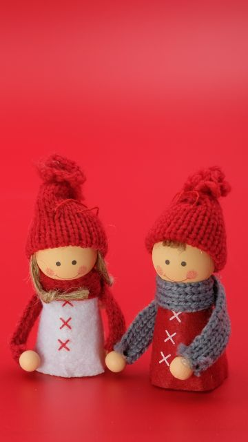 Figures, Man, Woman, Christmas decoration, Red background, Closeup, Art and Crafts, Beautiful, Doll, Cute dolls, 5K